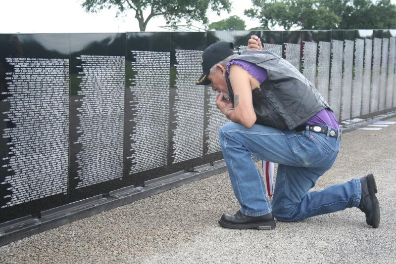 vietnam-vets-memorial-traveling-wall